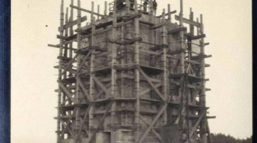 2012_03_Construccion_monumento_Colon-62